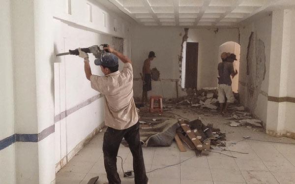 sua-nha-cap-4 Sửa chữa nhà chuyên ngiệp uy tín tại TPHCM