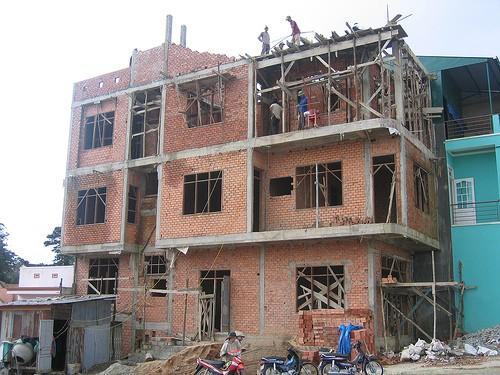 Xây nhà vào tháng mấy thì hợp lý và an toàn
