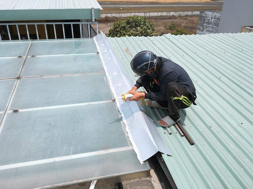 Hướng dẫn cách sửa nhà dột quận Phú Nhuận tiết kiệm chi phí